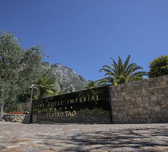 Park Hotel Imperial 5 stelle limone sul Garda - entrata Centro tao