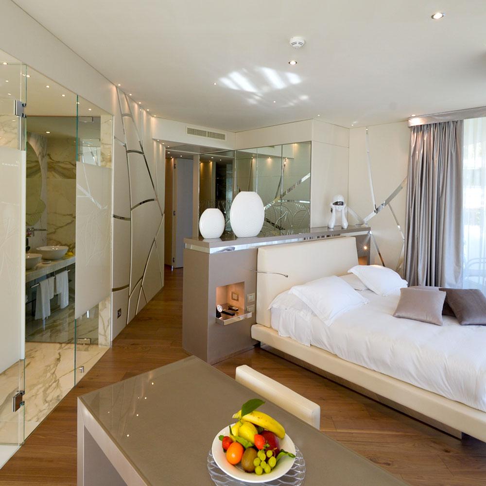 deluxe suite , 70 mq luminosi di spazio per un soggiorno di relax al Park Hotel Imperial
