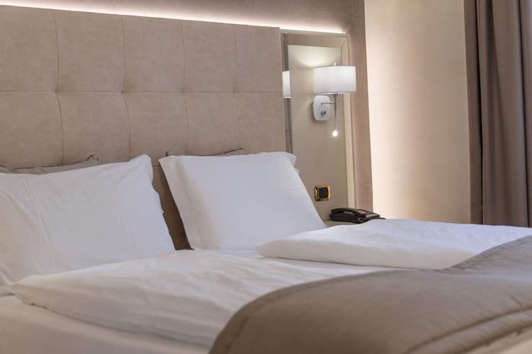 _Superior-suite-letto-Park-hotel-Imperial-limone